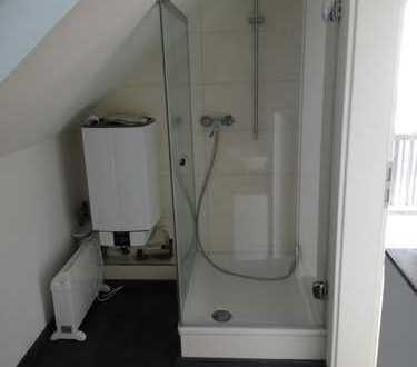 Vollständig renovierte 1,5-Zimmer-DG-Wohnung mit Balkon in Dorfen