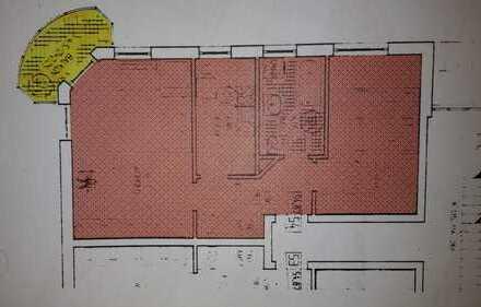 Gepflegte Wohnung mit zwei Zimmern sowie Balkon und EBK in Straubing