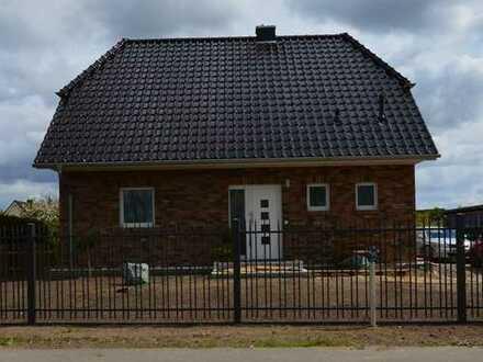 """""""Stein auf Stein"""" so muss es sein- leben in einem Familienhaus mit 4 Zimmern in Berlin Mahlsdorf"""