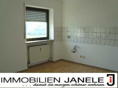 Ein wahres Schmuckstück! 4-Zimmer-Wohnung mit Balkon in Regenstauf- Diesenbach