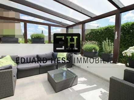 ++ WIE EIN EIGENES HAUS - besondere Terrassenwohnung mit Privatgarten, Hof, Garage in guter Lage ++