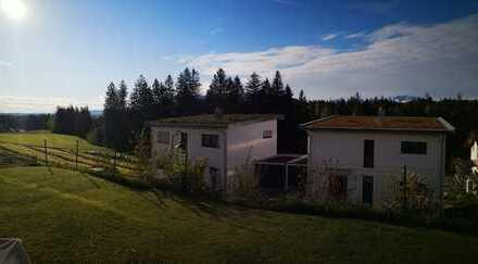 Traumhaft schöne Wohnung mit Terasse und Bergblick (stilvoll möbliert)
