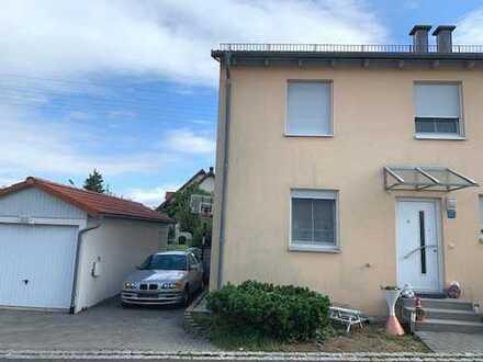 Gut vermietete Doppelhaushälfte in Eschenbach inkl. Vermietungsservice