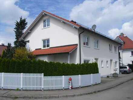 Sehr schöne Doppelhaushälfte, top Grundriss, Garten, zentrumsnahe und ruhige Lage in Ottobeuren