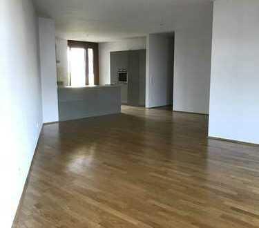 4-Zimmer Wohnung zentral am Riedberg