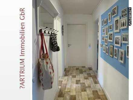 Charmante 3,5 Dachgeschoss-Wohnung in zentraler Lage von Adendorf