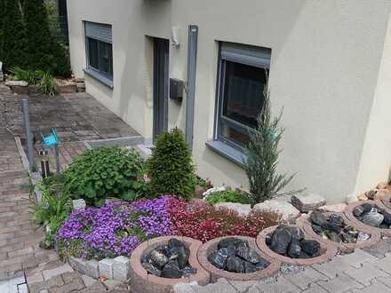 Möblierte 2-Zimmer-Wohnung mit Terrasse in Mainbernheim