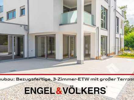 Neubau: Barrierefreie, bezugsfertige, 3-Zimmer-ETW in begehrter Aussichtslage mit großer Terrasse!
