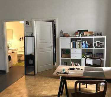 Zwischenmiete für 1/2 Jahr: Vollmöblierte 1,5-Zimmer mit Terrasse Nähe Mauerpark