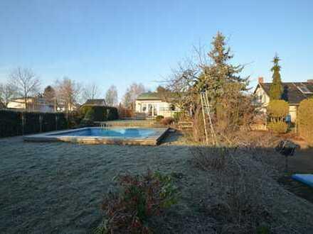 Volltreffer!! Sehr gepflegtes EFH mit 4 Zimmern, großer Wohnküche und Pool im eigenen Garten
