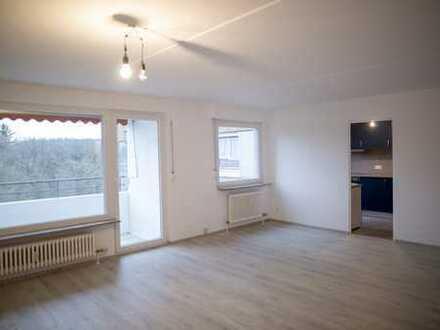 Erstbezug nach Renovierung: stilvolle 4-Zimmer-Wohnung mit Einbauküche und Balkon in Stuttgart