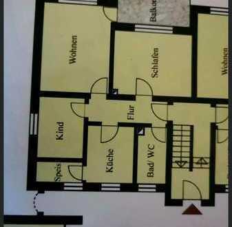 Gepflegte Wohnung mit drei Zimmern und Balkon in Schierling