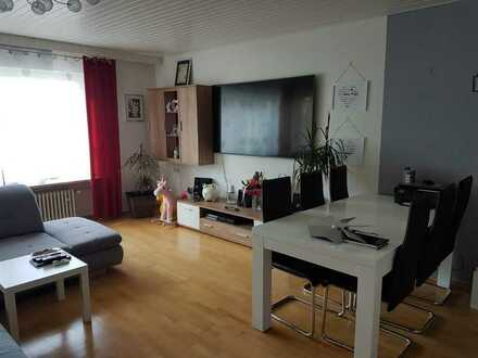 Helle 3 Zimmer Etagenwohnung mit Balkon, Keller, Garage - 88 m² - Schwandorf