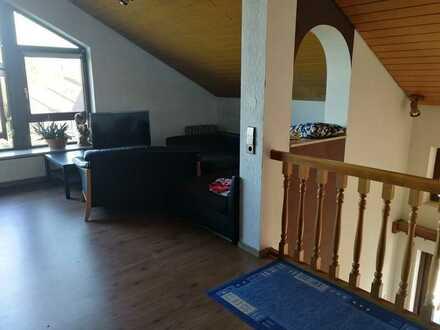 Gepflegte 5-Raum-Maisonette-Wohnung mit Balkon und Einbauküche in Remchingen-Singen