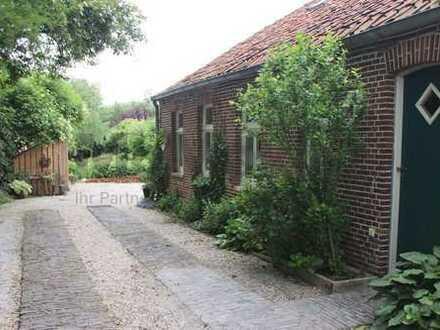 Großzügiges Haus unter Denkmalschutz als 100-%-Kapitalanlage oder teils als Eigenheim!