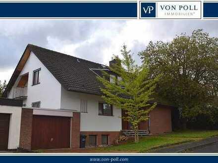 Harleshausen: Großes Einfamilienhaus mit Garage, schönem Grundstück und viel Potential