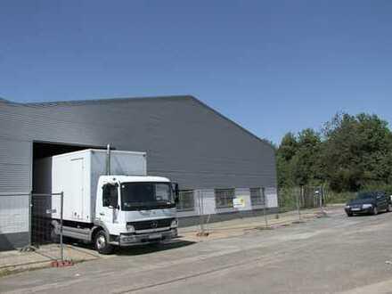 Großzügige Industrie- und Gewerbehallen im Gewerbepark 870 m²