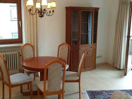Schön geschnittene 3 Zimmerwohnung 93m², sehr großer 30m² Südbalkon, sehr ruhig aber zentral gelegen