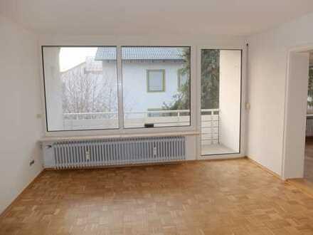 Große 4 Zimmer Wohnung, NEU RENOVIERT, 2 Balkone, 2 Badezimmer OHNE LIFT