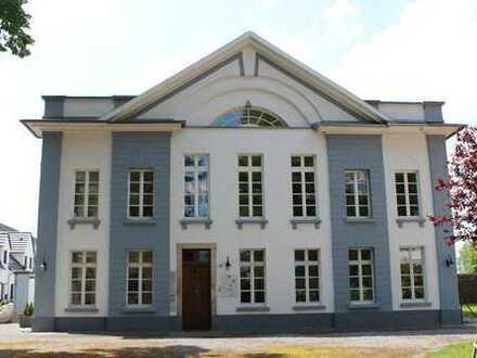 Herrenhaus auf Gut Groß-Lind - Denkmal mit Glasfaser