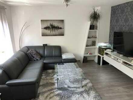 Stilvolle, sanierte 3-Zimmer-Wohnung mit Balkon und hochwertiger EBK