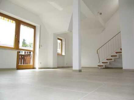 Fürth-Vach, chice 4 Zi.-Galerie Whg., ca. 116 qm, Balkon, EBK, Fußbodenheizung, Garage, ruhige Lage