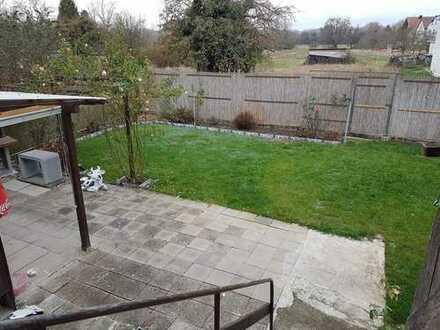 5822 - Einfamilienhaus mit Garten und Garage in Untergrombach!