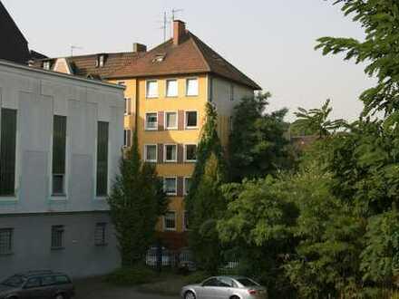 große Dachgeschosswohnung mit Balkon im Herzen Ehrenfelds