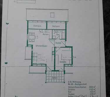 Gepflegte Dachgeschosswohnung mit zwei Zimmern sowie Balkon und Einbauküche in Rems-Murr-Kreis