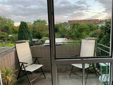 Freundliche 1-Zimmer-Wohnung mit Balkon in Zell am Main