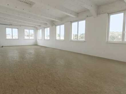 Heller, repräsentativer Raum für Werkstatt und Produktion, auch getrennt nutzbar