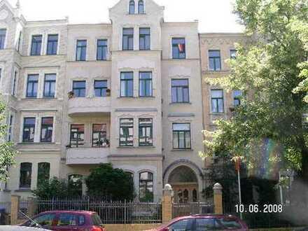 Helles Gartenhaus im Hinterhof der Willy-Lohmann-Str. 22 sucht ruhige Familie bzw. Nachmieter