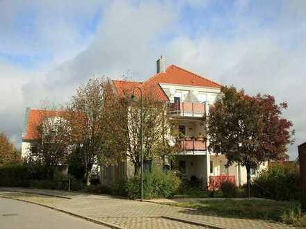 Vermietete 2-Zimmer-Dachgeschosswohnung in Meißen/ Obermeisa. Mit Blick über die Dächer von Meißen.