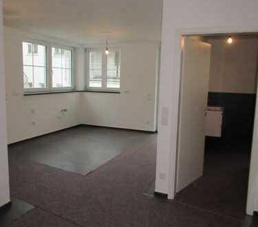 Schöne 3 Zi. Erdgeschoss Wohnung in 5 Familienhaus in der Ulmer Innenstadt mit großem Garten