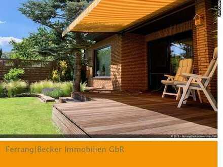 Vogelsang: Freistehender Bungalow mit traumhaftem Garten, Sonnenterrasse, Kamin, PKW-Garage u.v.m.