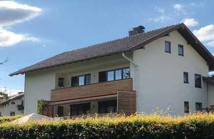 Schöne, geräumige vier Zimmer Wohnung in Traunstein (Kreis), Traunreut