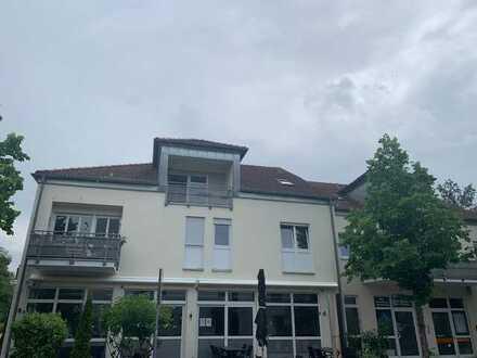 Neusäß bei Augsburg Super interessante 3 Zi DG-Wohnung, sehr gepflegt mit EBK