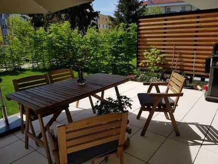 +++ Stilvolle, neuwertige 4-Zimmer-Wohnung mit Balkon und EBK in Langen +++