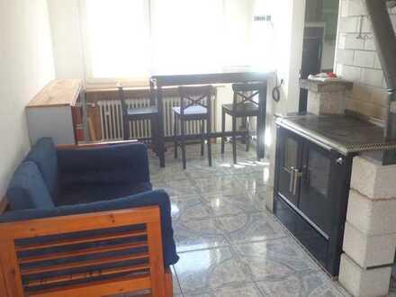 Gepflegte 3-Raum-Wohnung mit Balkon und Einbauküche in Emskirchen