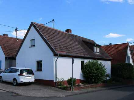 Freistehendes Einfamilienhaus mit großzügiger Terrasse in bevorzugter Lage