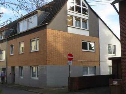 Freundliche, vollständig renovierte 3-4-Zimmer-EG-Wohnung zur Miete in Frechen - Bachem
