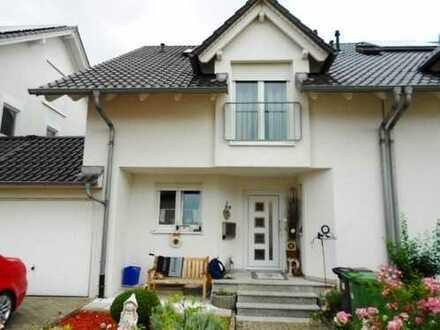 Rauenberg DHH, besichtigen und einziehen gut ausgestattet und mit 210 qm Wohnfl. inkl gr. Hobbyraum