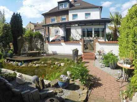 Einziehen und Wohlfühlen! Top renovierte 120qm Doppelhaushälfte, 5 Zimmer, 2 Bäder und toller Garten