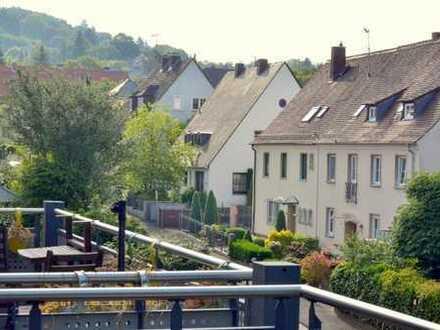 Neuwertige 3-Zimmer-DG-Wohnung mit Balkon AB-Godelsberg