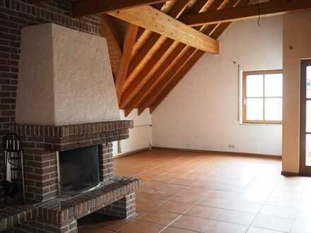 Schöne, geräumige 2-Zimmer DG-Wohnung in Allmersbach im Tal