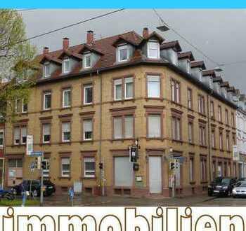Sanierte und helle Dachgeschosswohnung