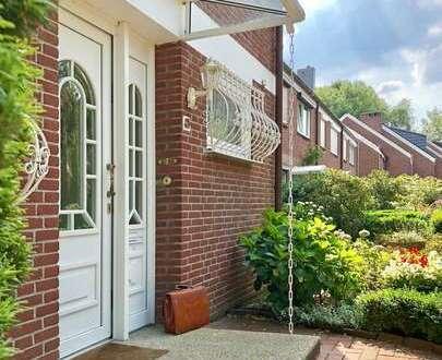 Voigt Immobilien: großes Reihenendhaus mit Wintergarten ggf. insgesamt 5 Wohneinheiten