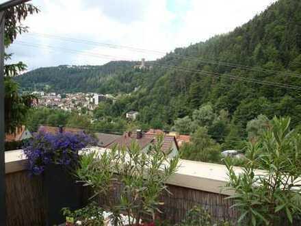 Bad Liebenzell: 3-Zimmer-Wohnung mit großzügiger Aussichts-Terrasse
