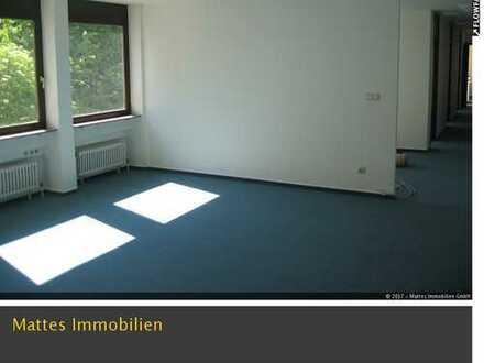 Helle Büro-/Praxisräume in der Esslinger City