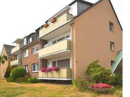 Schön geschnittene Familienwohnung mit 4 Zimmern und Balkon